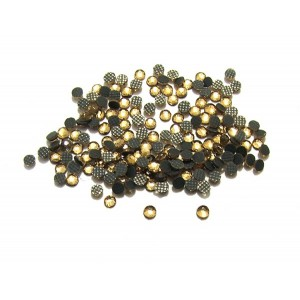https://www.deida.ro/16419-23083-thickbox/slc2mm-05-50-buc-strasuri-hotfix-capuccino-gold-2mm.jpg