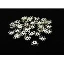 CA01 - (10 buc.) Capacele floare argintii 6mm