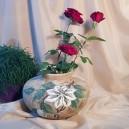UNICAT - XCER61A - Vaza ceramica bej cu crenguta si flori albe 20*27*13cm