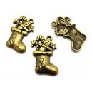 CP484 - Charm cizmulita cu cadouri bronz antic 29*18mm